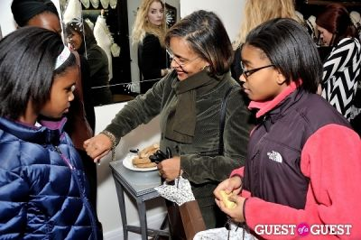 elizabeth cummings in Sorrelli Montclair Store Opening