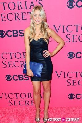 katrina bowden in 2013 Victoria's Secret Fashion Pink Carpet Arrivals