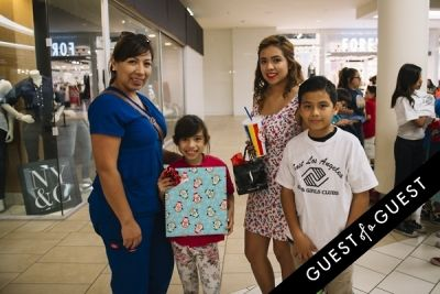 katy cruz in The Shops at Montebello Presents Santa's Arrival