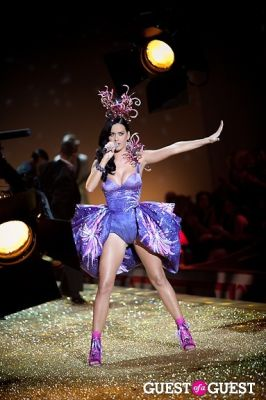 katy perry in Victoria's Secret Fashion Show 2010