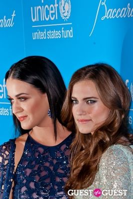 allison williams in The 8th Annual UNICEF Snowflake Ball