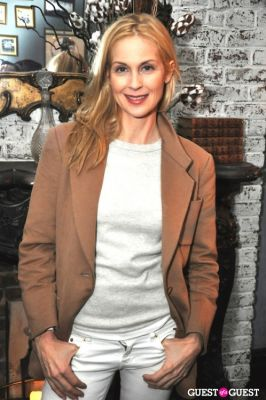 kelly rutherford in Sonia Rykiel pour H&M Knitwear Collection