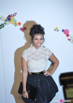 kourtney kardashian in Alice and Olivia