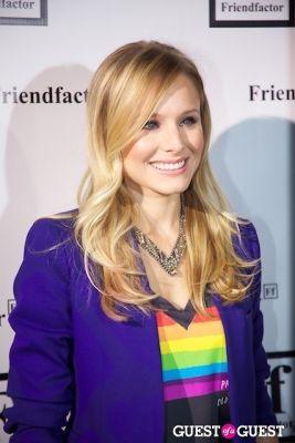 kristen bell in Chelsea Clinton Co-Hosts: Friendfactor