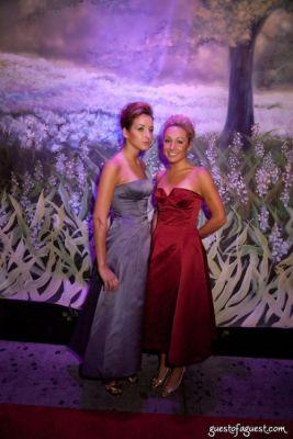 liz rymar in JarLuxe Foundation hosts Fashion Preservation