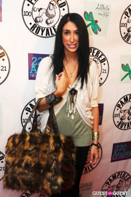 lauren rae-levy in PAMPERED ROYALE BY MALIK SO CHIC Fall 2011 Handbag Launch
