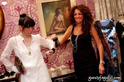 lauren rae-levy in New London Luxe and Operation Smile's Shop for the Cure II - Event Photos