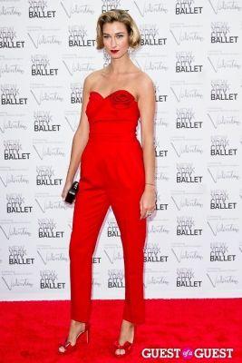lauren remington-platt in New York City Ballet Fall Gala Celebrates Valentino