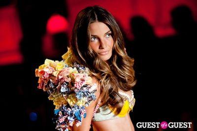 lily aldridge in Victoria's Secret Fashion Show 2010