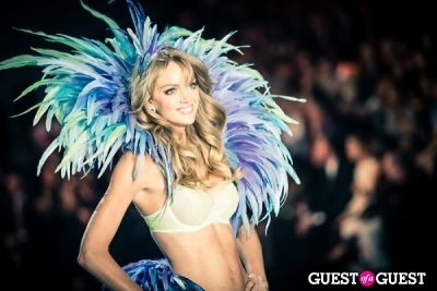 lindsay ellingson in Victoria's Secret Fashion Show 2013