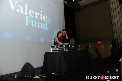 lindsay luv in The Young Associates Of The Valerie Fund Present The 2nd Annual Mardi Gras Junior Board Gala