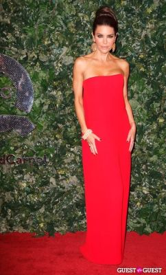 lisa rinna in QVC Red Carpet Style