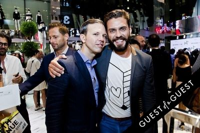 lorenzo martone in Jeff Koons for H&M Launch Party