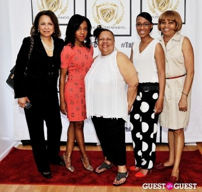 donna palmer in Reign Entertainment Hosts The Launch of 3D Art by S. Whittaker