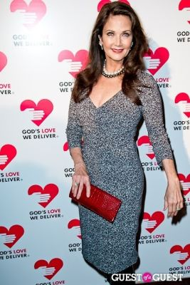 lynda carter in God's Love Golden Heart Achievement Awards