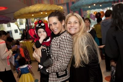 lyss stern in The 10th Annual DivaLysscious Moms Halloween Spooktacular