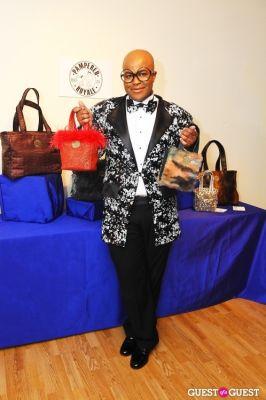 malik so-chic in PAMPERED ROYALE BY MALIK SO CHIC Fall 2011 Handbag Launch