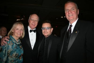 bono in 2010 Atlantic Council Awards Dinner with Bono & Bill Clinton