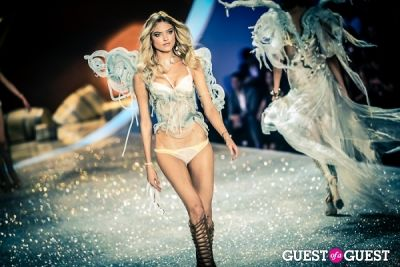 martha hunt in Victoria's Secret Fashion Show 2013