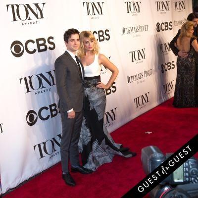 beth behrs in The Tony Awards 2014