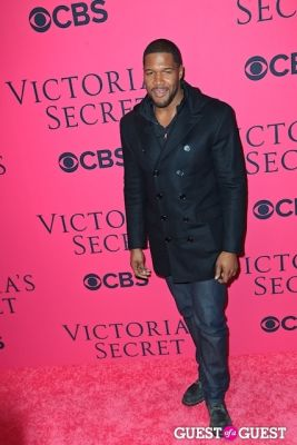 michael strahan in 2013 Victoria's Secret Fashion Pink Carpet Arrivals