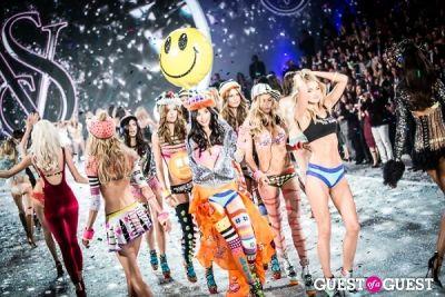 lily donaldson in Victoria's Secret Fashion Show 2013