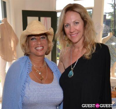 sara ann-johnson in Minnie Rose by designer Lisa Shaller Goldberg event hosted by Kelly Bensimon