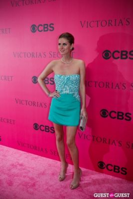 nikki hilton in 2010 Victoria's Secret Fashion Show Pink Carpet Arrivals
