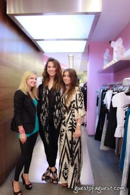 annie badavas in Sip & Shop for a Cause benefitting Dress for Success