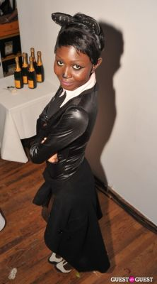 oroma elewa in VISIONAIRE Haolloween Party