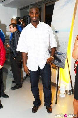 plaxico burress in Breaking A Record To Beat Cancer Finish Line Party