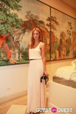 polina proshkina in Met Young Members Party
