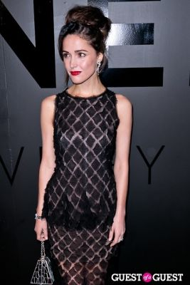 rose byrne in Chanel Fine Jewelry Presents