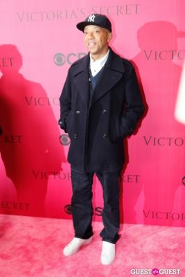 russell simmons in 2010 Victoria's Secret Fashion Show Pink Carpet Arrivals