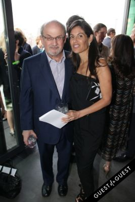 salman rushdie in Narrative 4 Spring Cocktail Benefit