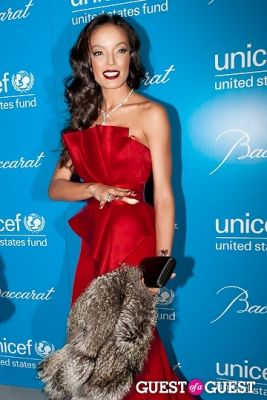 selita ebanks in The 8th Annual UNICEF Snowflake Ball