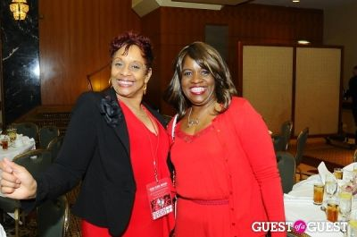 sharon bond in The 2014 AMERICAN HEART ASSOCIATION: Go RED For WOMEN Event