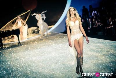 sigrid agren in Victoria's Secret Fashion Show 2013