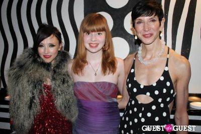 stacey bendet in M.A.C alice + olivia by Stacey Bendet Collection Launch