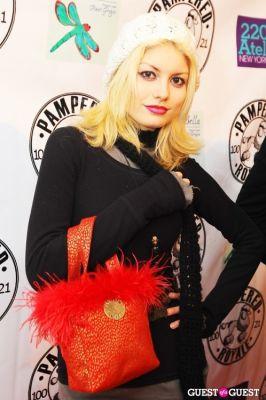 steph rai in PAMPERED ROYALE BY MALIK SO CHIC Fall 2011 Handbag Launch