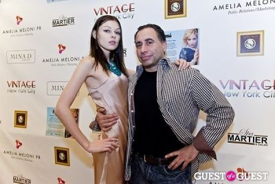 steve mi in Mina D Holiday Glamour Party