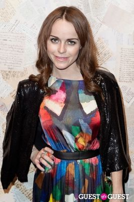taryn manning in Alice and Olivia Presentation