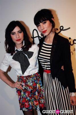 the veronicas in Alica+Olivia