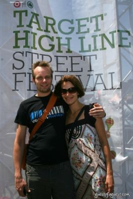 tom hider in Target High Line Street Festival