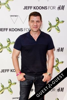 tom murro in Jeff Koons for H&M Launch Party