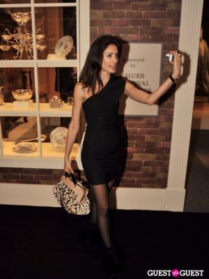 yael abbey in Winter Antiques Show Young Collectors Night