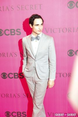 zac posen in 2010 Victoria's Secret Fashion Show Pink Carpet Arrivals
