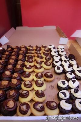 cupcakes in Sip & Shop for a Cause benefitting Dress for Success