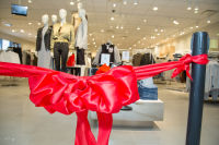 H&M Store Opening at The Shops at Montebello #184