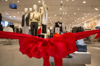 H&M Store Opening at The Shops at Montebello #185